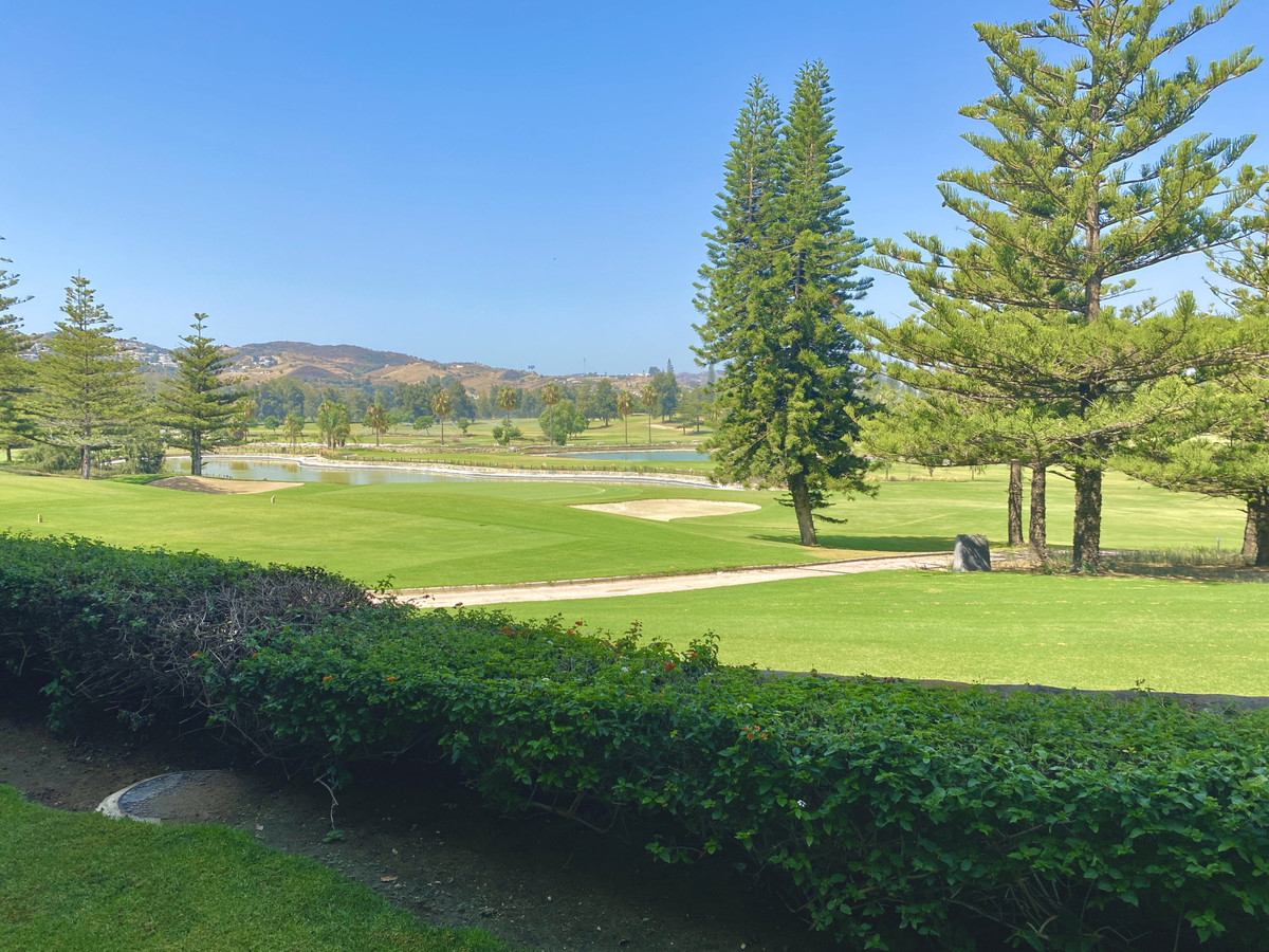 Absolutely STUNNING, spacious and bright, ground floor front line golf apartment.  Located on the pr,Spain