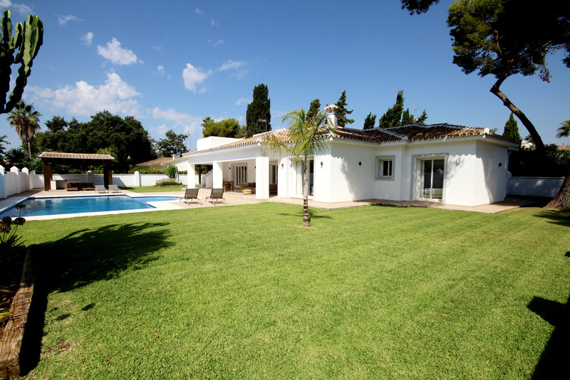 Villas for sale in Estepona (New Golden Mile) 25