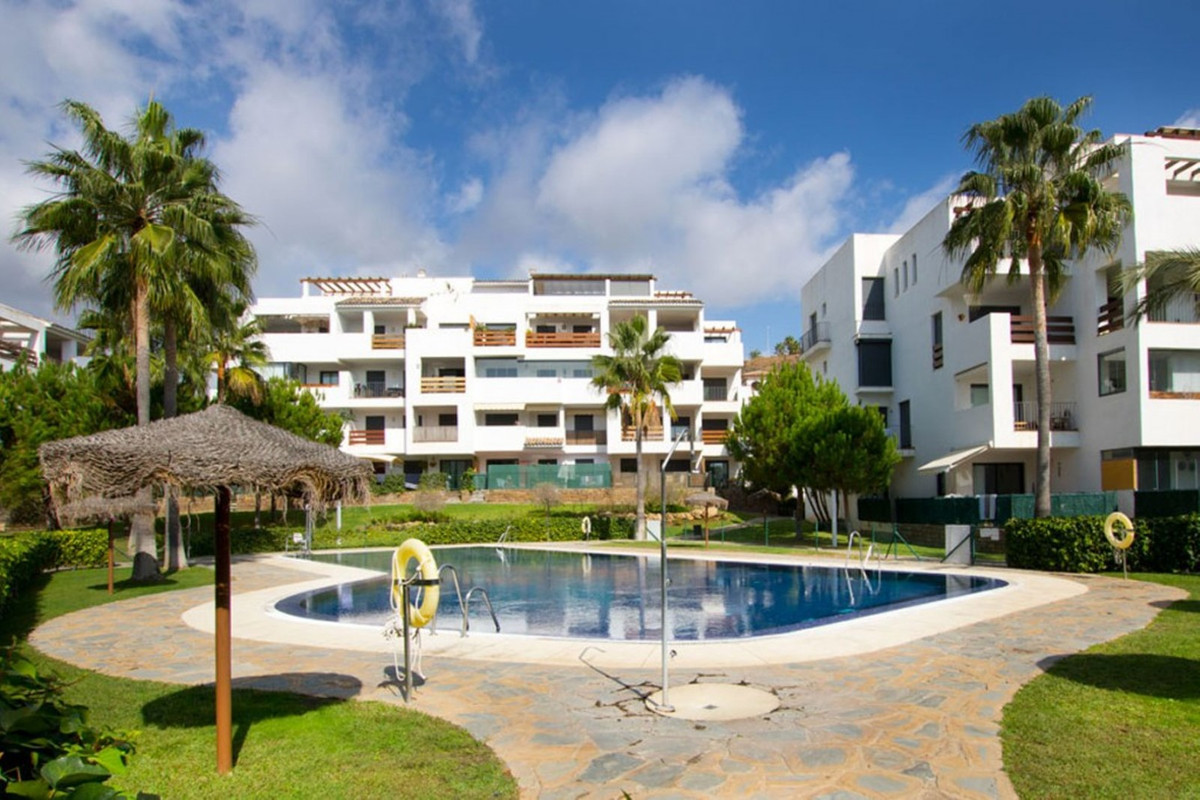 We have the pleasure of presenting a lovely ground floor apartment with 3 bedrooms and 2 bathrooms i,Spain