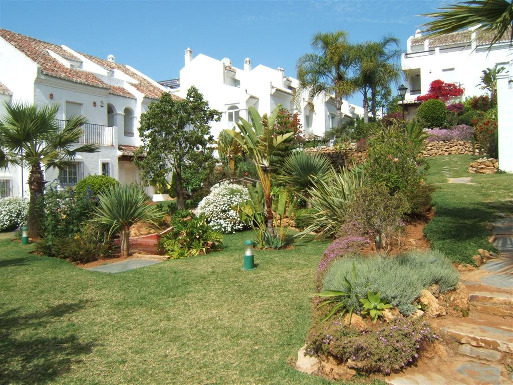 Townhouse for Long Term Rent in Marbella Golden Mile