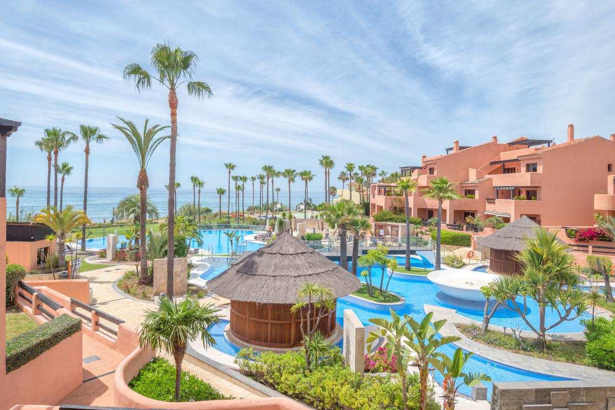 Marbella Banus Apartamento Planta Media en Venta en New Golden Mile – R3209353