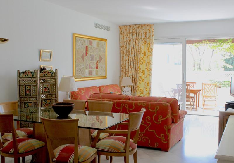 Apartamento Planta Media en venta en Marbella – R2612768