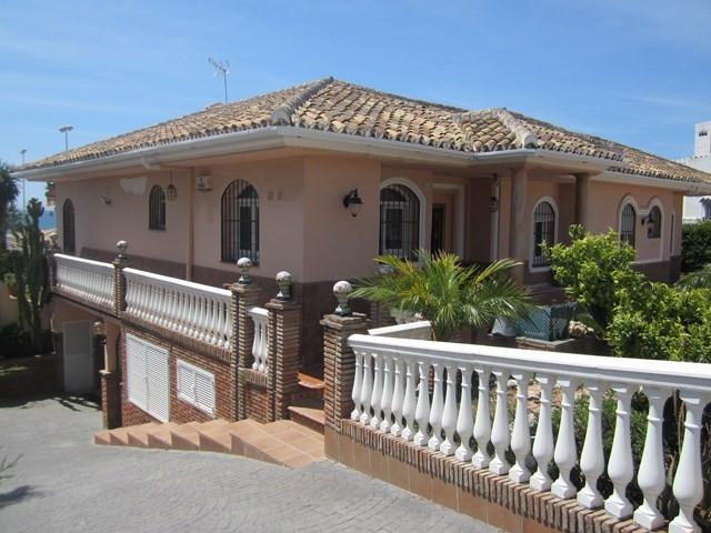 Villa en El Chaparral Costa del Sol