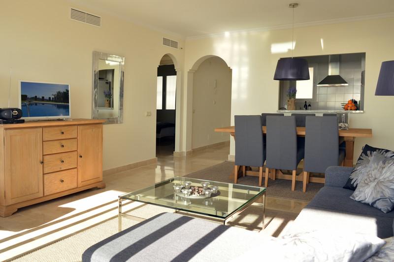 Apartamento Planta Media en venta, Calahonda – R3583750