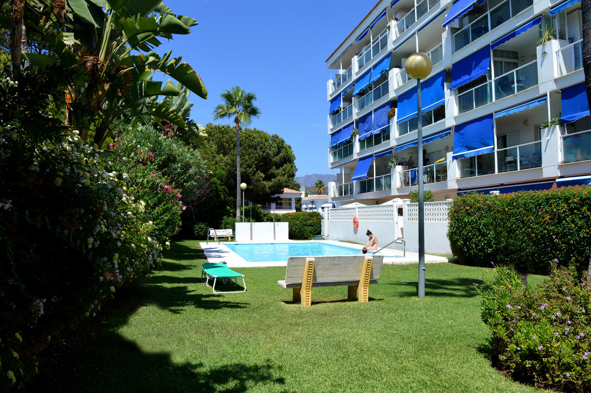 If you are looking for a good investment, look no further. This super cozy top floor studio offers i,Spain
