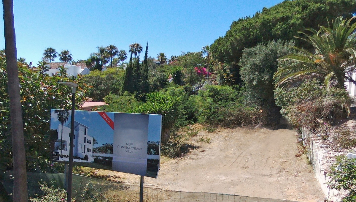 Top Location for this plot of 557 m² to build a villa just 5 minutes' walk to the beach in Duna,Spain