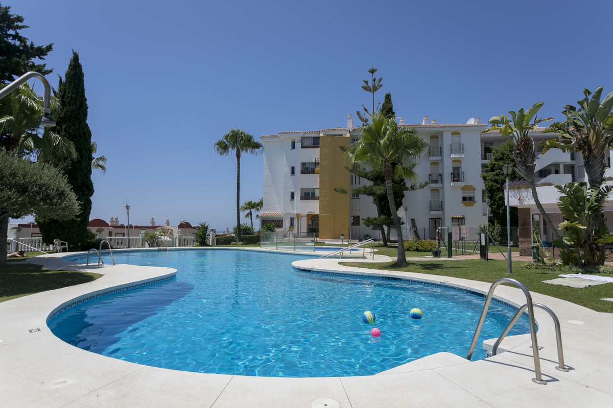 A Real Gem waiting for you. Ground Floor apartment that offers three terraces, to enjoy morning and ,Spain