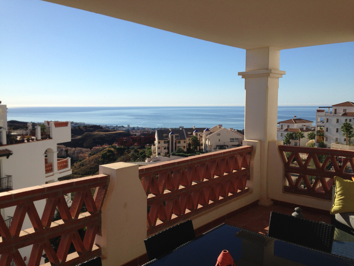 Luxury apartment with stunning sea view in a very nice urbanization with 5 swimming pools. The apart, Spain