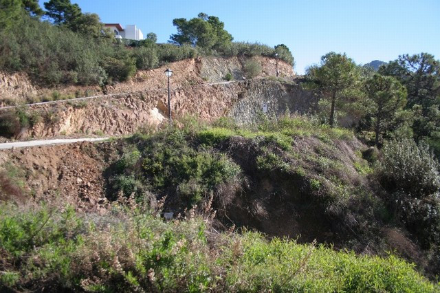 R2218055 | Residential Plot in Benahavís – € 795,000