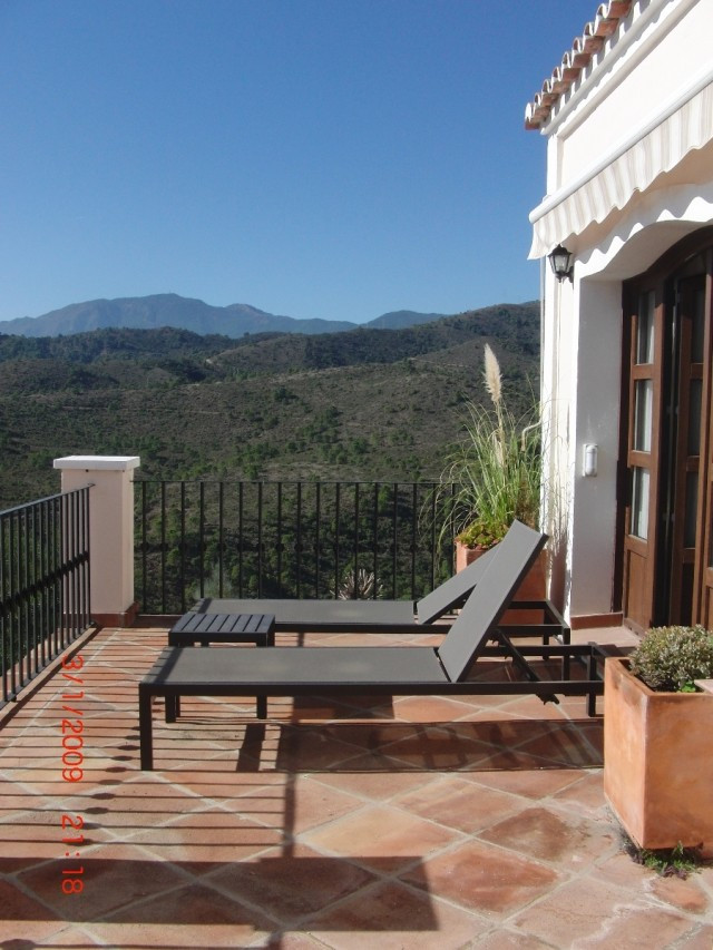 Townhouse For sale In Benahavís - Space Marbella