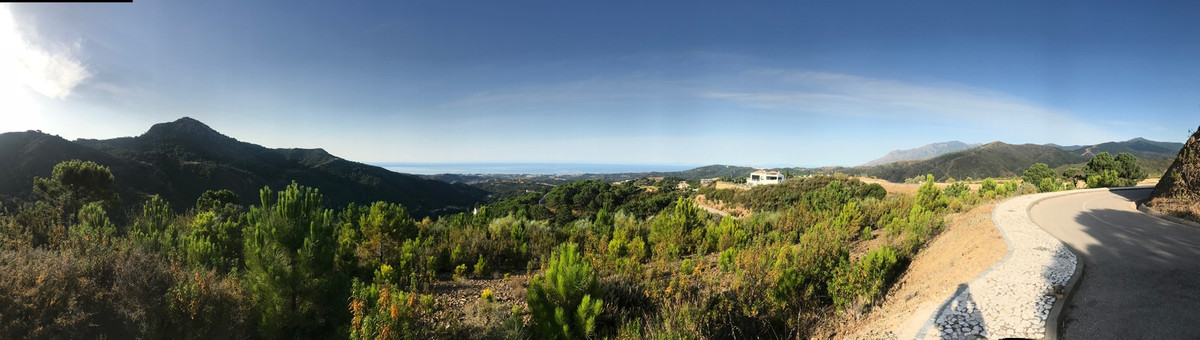 Building Southwest facing villa plots  The  plots have a building volume of 614 m2 and is permitted , Spain