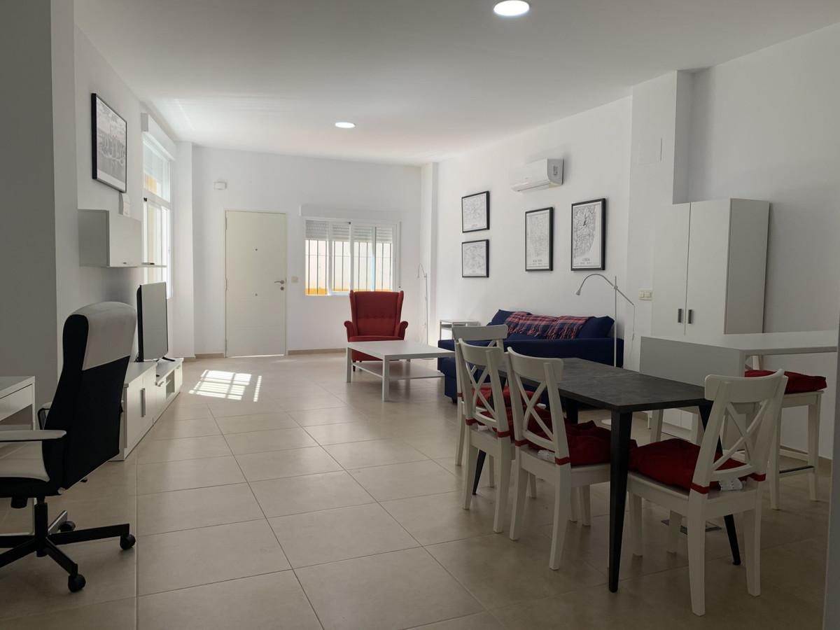 Apartamento Planta Baja en Venta en Marbella – R3689294