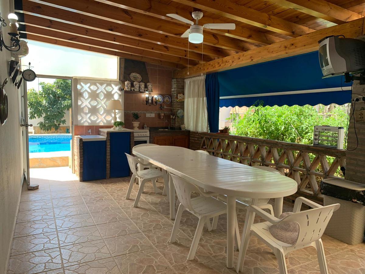 Villa for Sale in El Rosario – R3688130