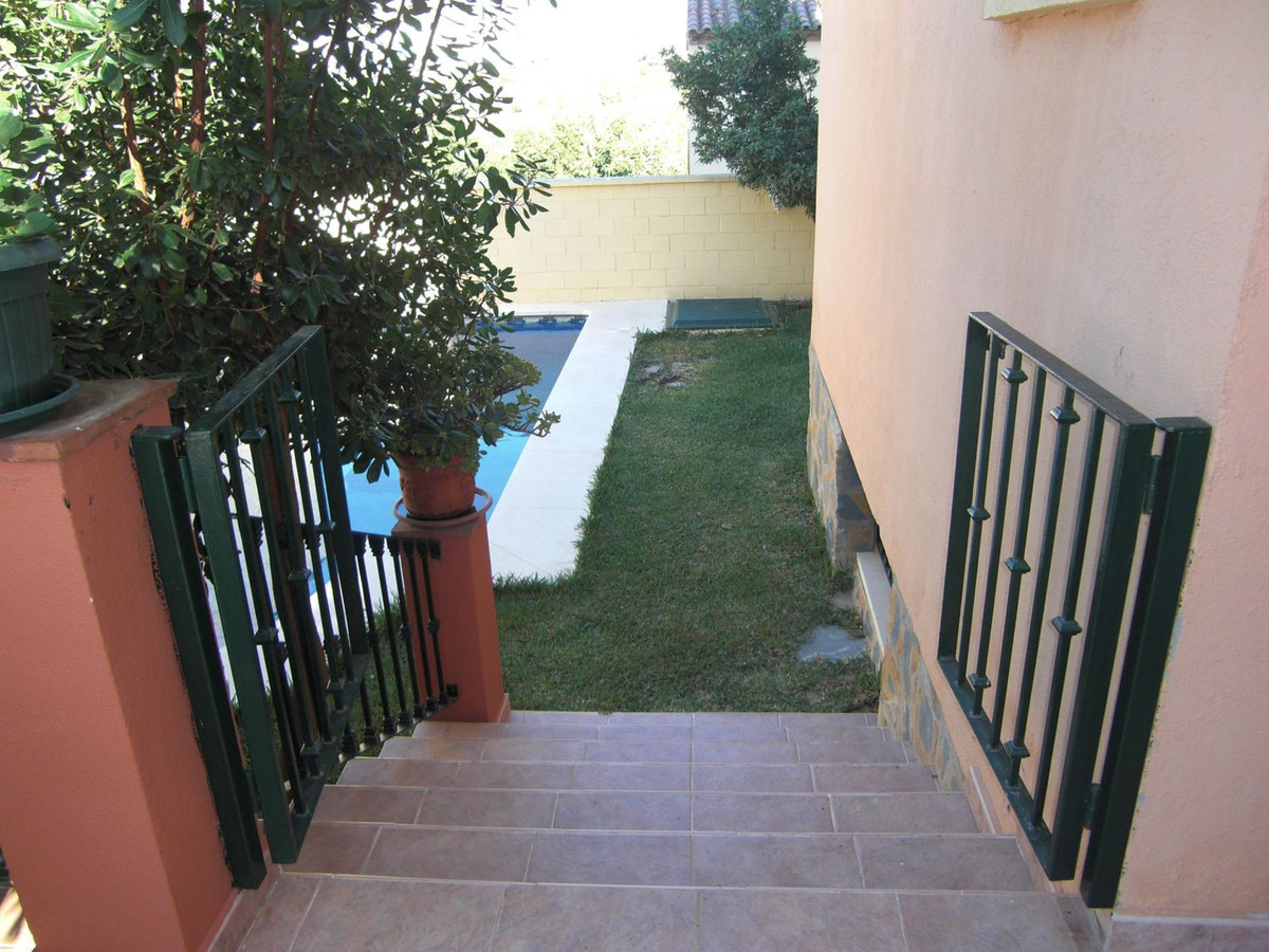 Villa Semi Detached for sale in Marbella, Costa del Sol