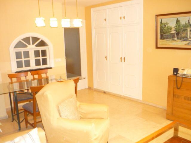 Marbella Banus Apartamento en Venta en Marbella – R3258490