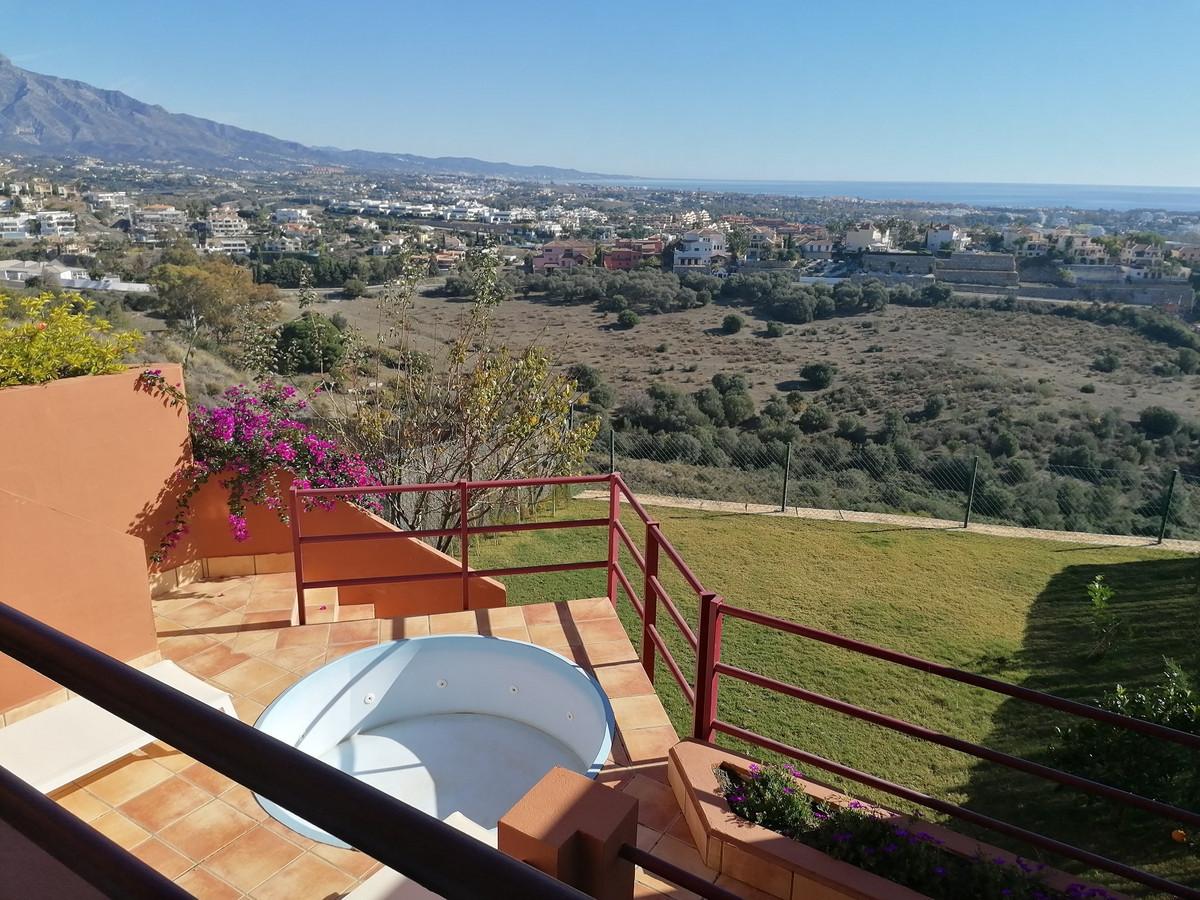 Marbella Banus Adosada en Venta en Benahavís – R3551761