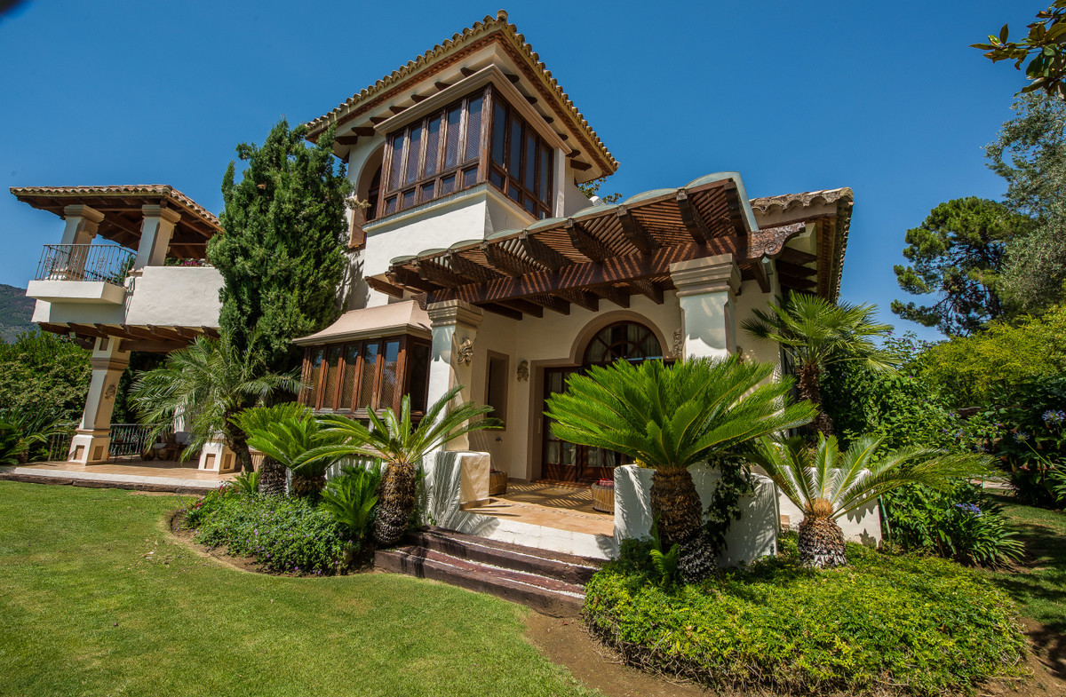 9 Bedrooms Villa For Sale - La Zagaleta