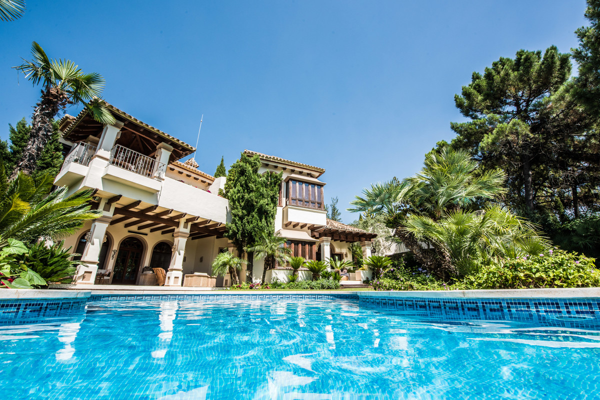 9 Bedroom Villa For Sale - La Zagaleta, Benahavis