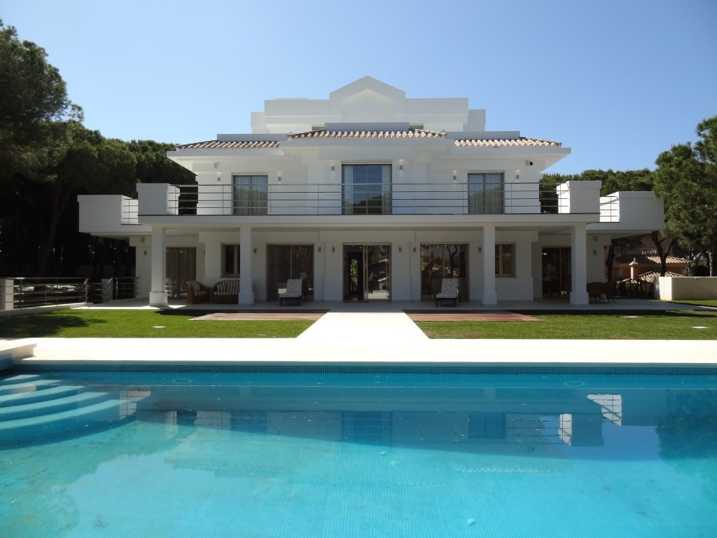 This stunning new contemporary modern villa offers every imaginable luxury and mod-con in an excelle,Spain