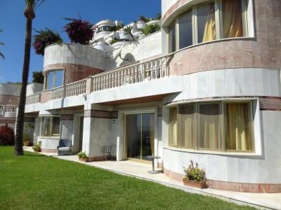 Apartamento con 6 Dormitorios en Venta Puerto Banús