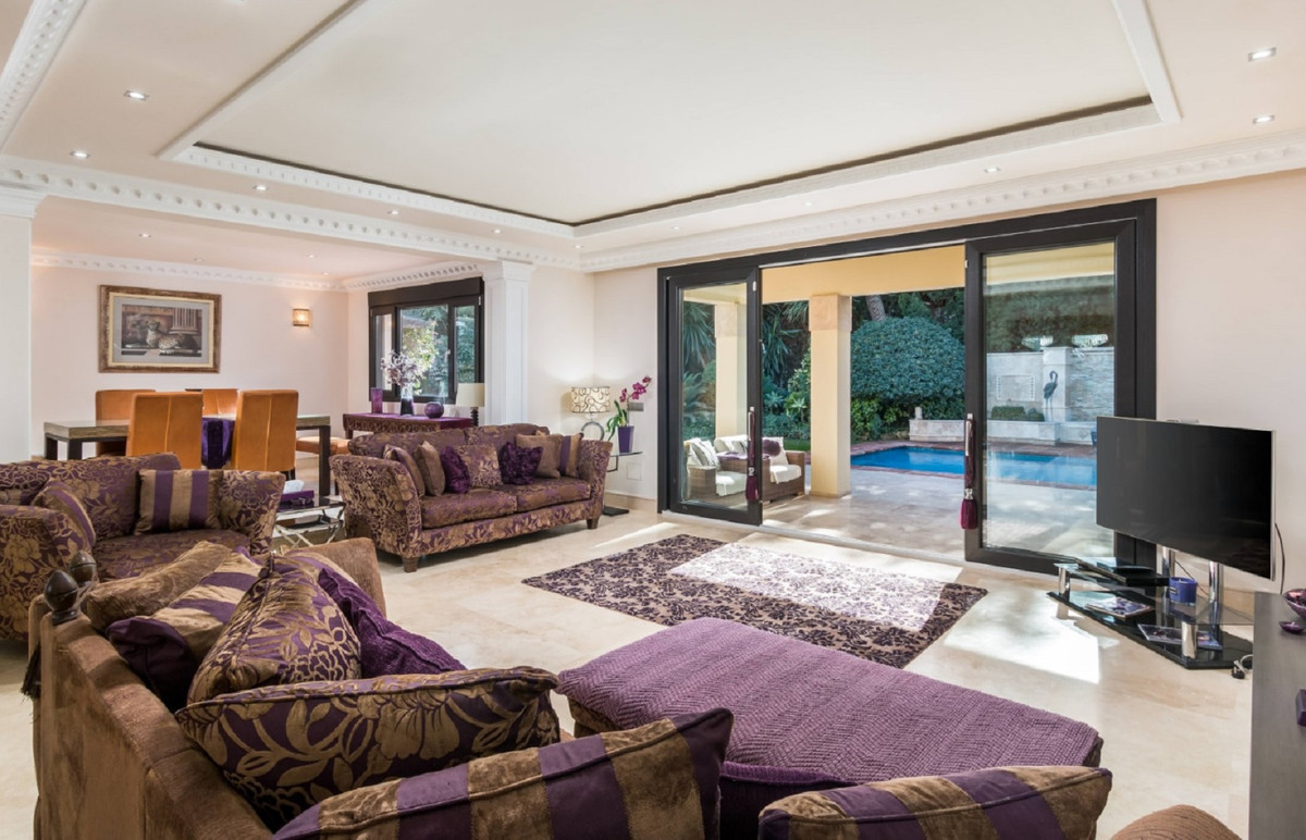 Villa  Detached for sale  and for rent  in Benamara