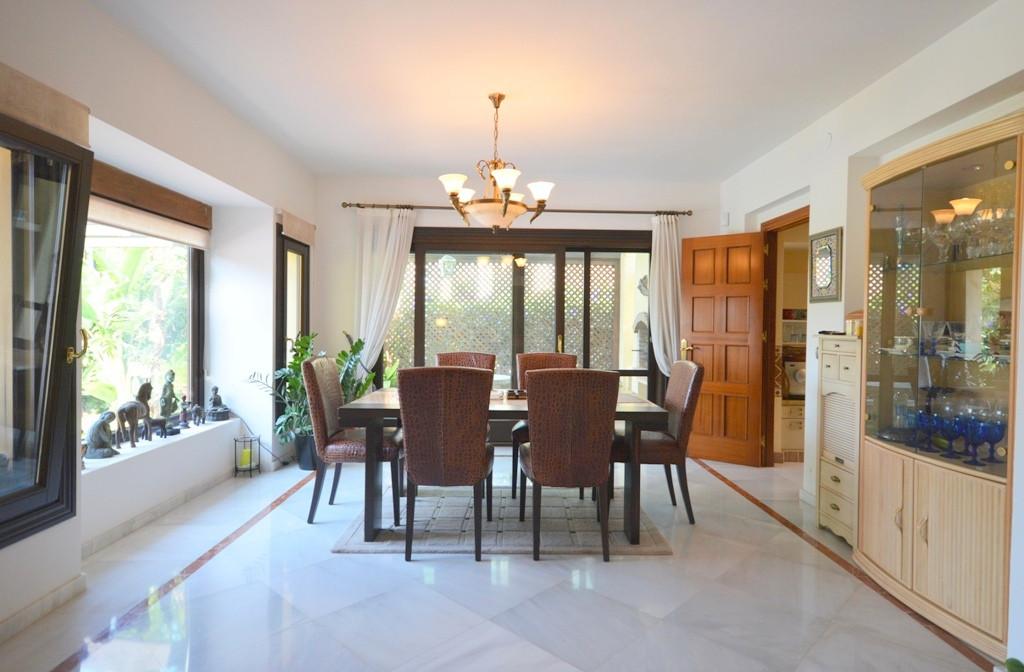 Villa – Chalet en Venta en Sierra Blanca – R2102843