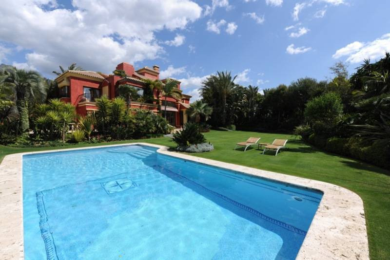 Villa Till salu i The Golden Mile R2128997
