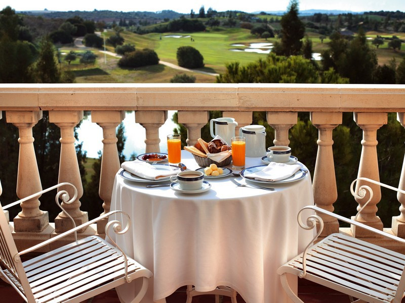 A stunning and recently renovated 5 Star hotel on a large plot with private golf course and 207 room Spain
