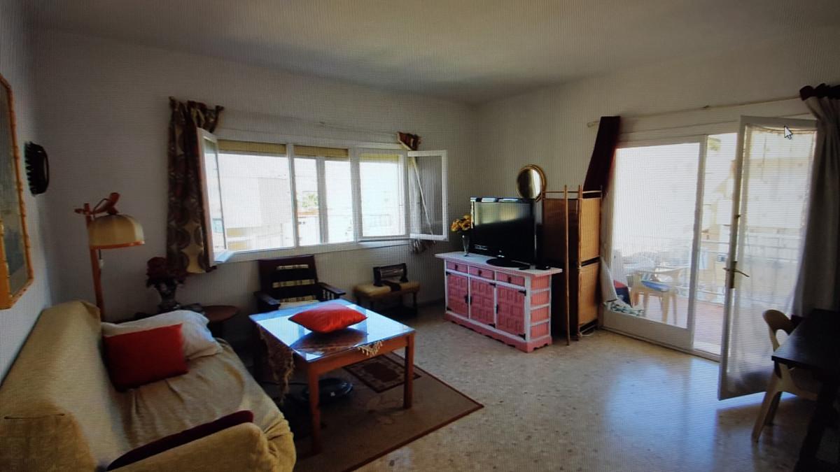 Apartamento Planta Media en Venta en Marbella – R3586825