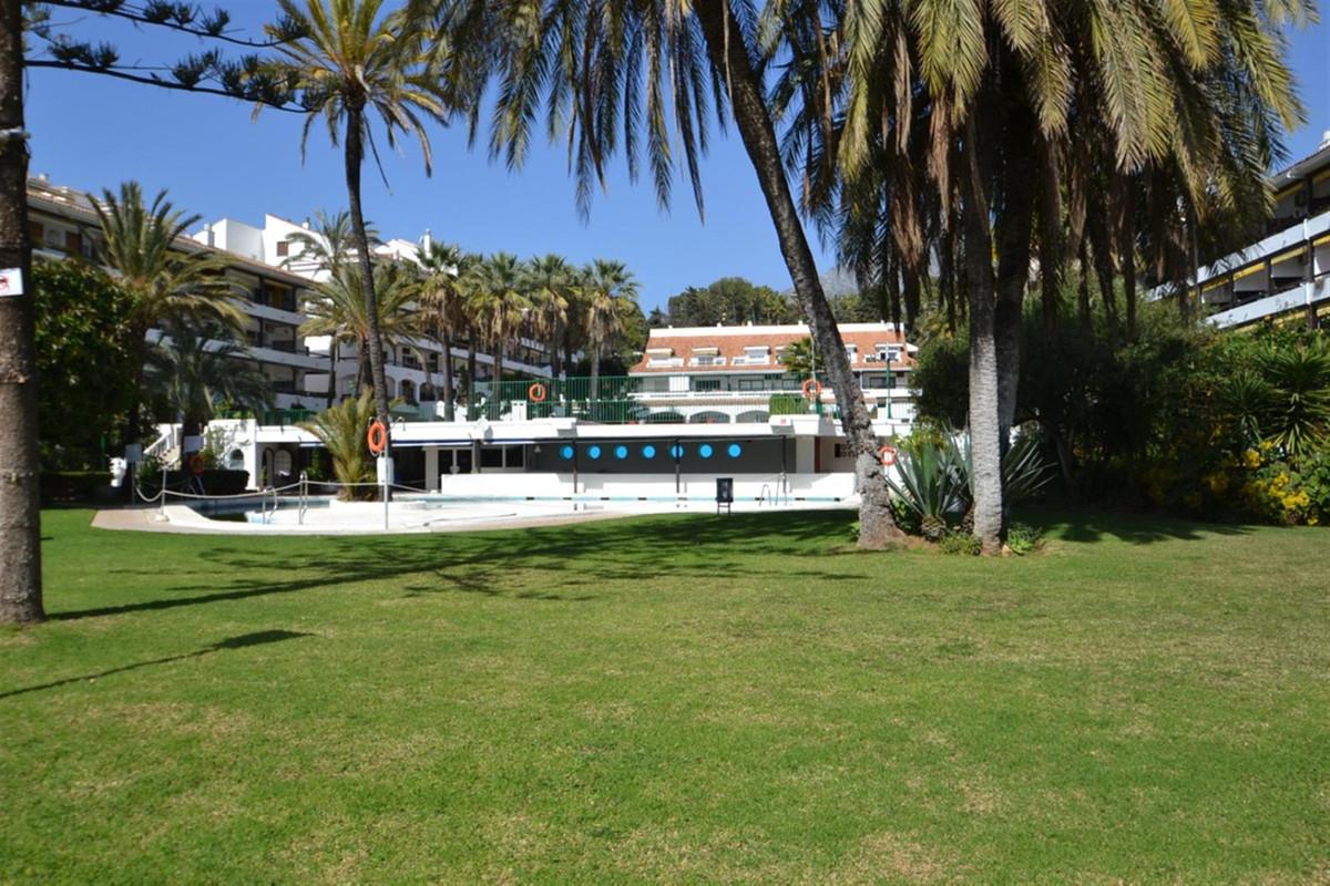 Marbella Banus Apartamento en Venta en The Golden Mile – R3799027