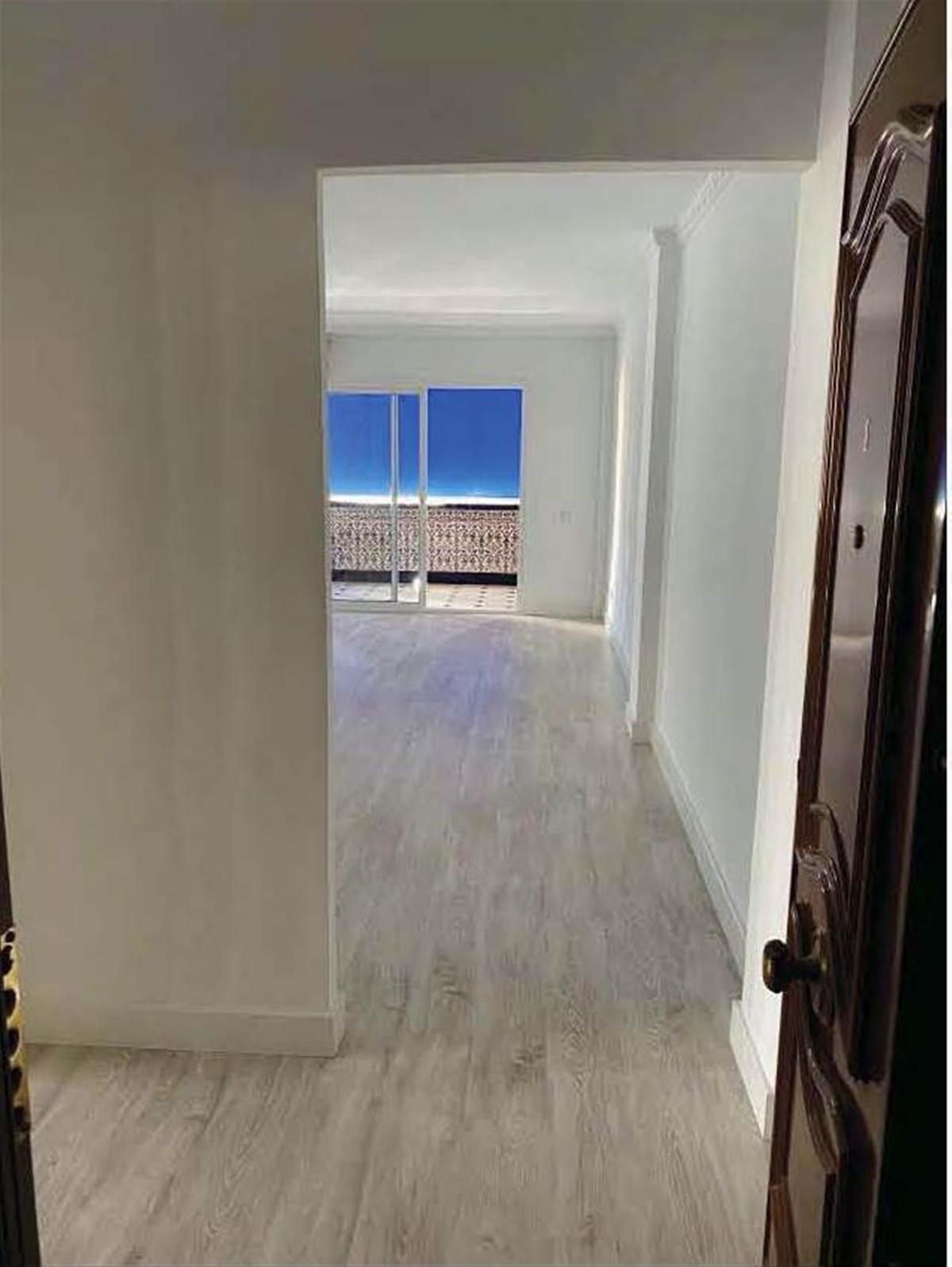 Apartamento Planta Media en Venta en Marbella – R3597545