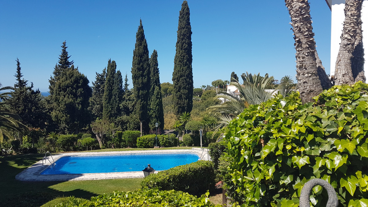 BEAUTIFUL! Duplex penthouse with 3 bedrooms 3 bathrooms. Recently renovated with 1º finishes. Open k,Spain