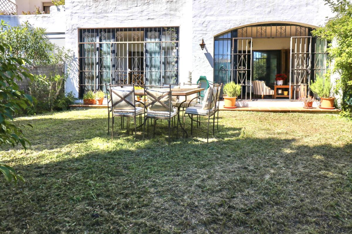 Marbella Banus Apartamento en Venta en El Paraiso – R3838816
