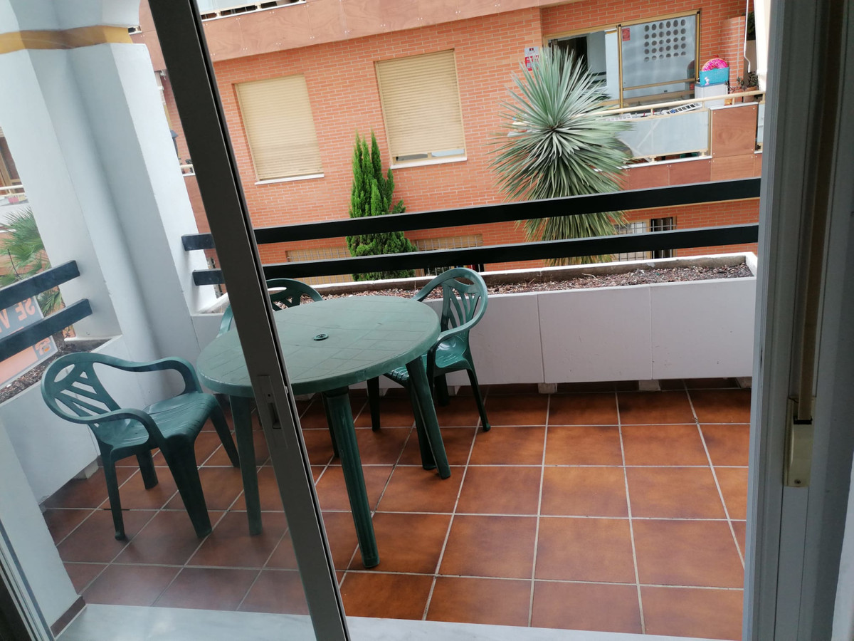 Good opportunity to invest, apartment in El Paraio, near the beach. It consists of 1 bedroom, 1 bath,Spain