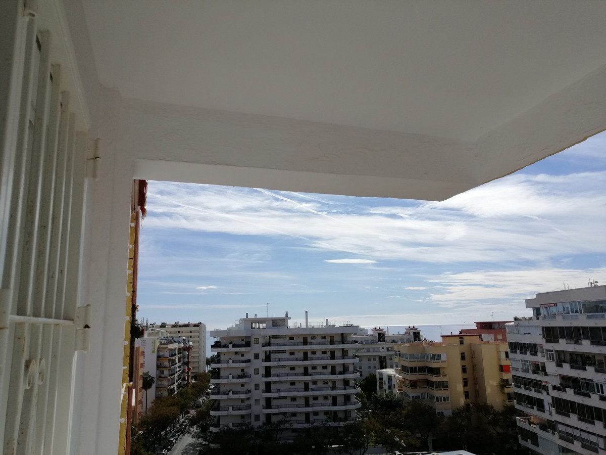 CENTRAL apartment on the main avenue of Marbella, It is formed by bright living room with access to , Spain