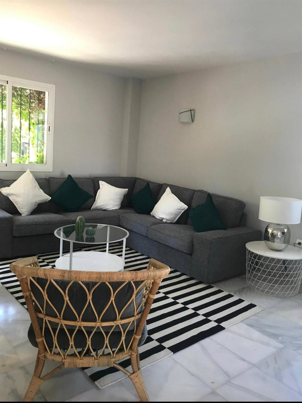 Townhouse in Marbella R3433204