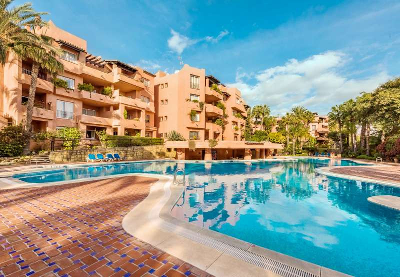 MAGNIFICENT APARTMENT just 5 MINUTES WALKING TO THE BEACH. It consists of a spacious living room wit, Spain