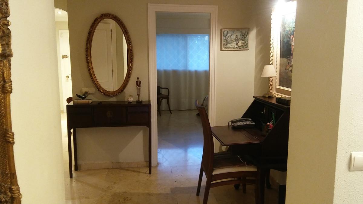 Apartamento Planta Media  en venta en  Guadalmina Alta, Costa del Sol – R3300319