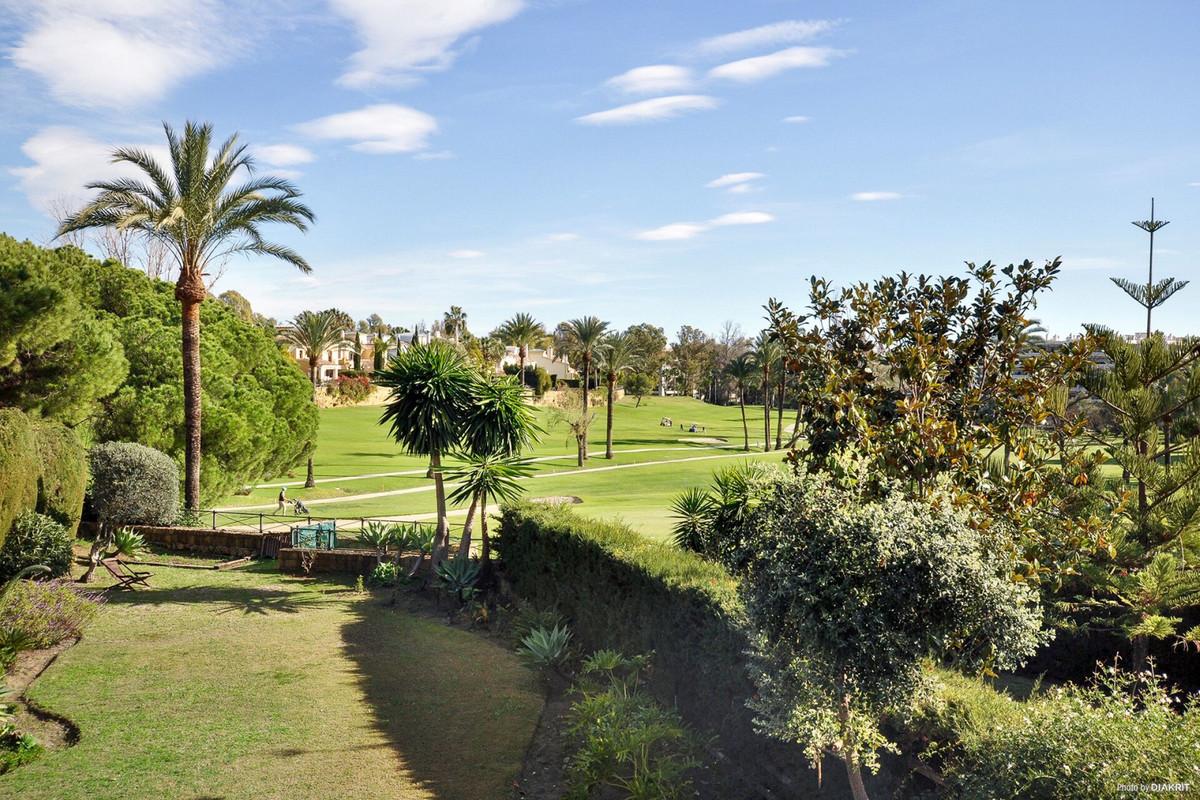 Villa  Pareada en venta   en Guadalmina Alta