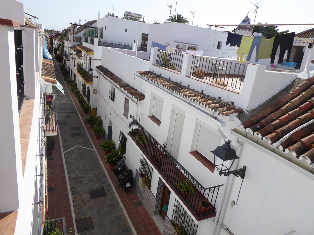 6 bedroom townhouse for sale marbella