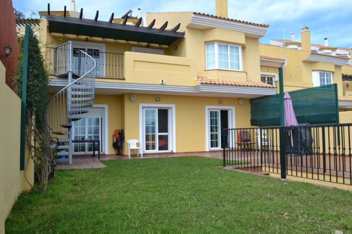 Unifamiliar  Adosada en venta  y en alquiler   en La Mairena