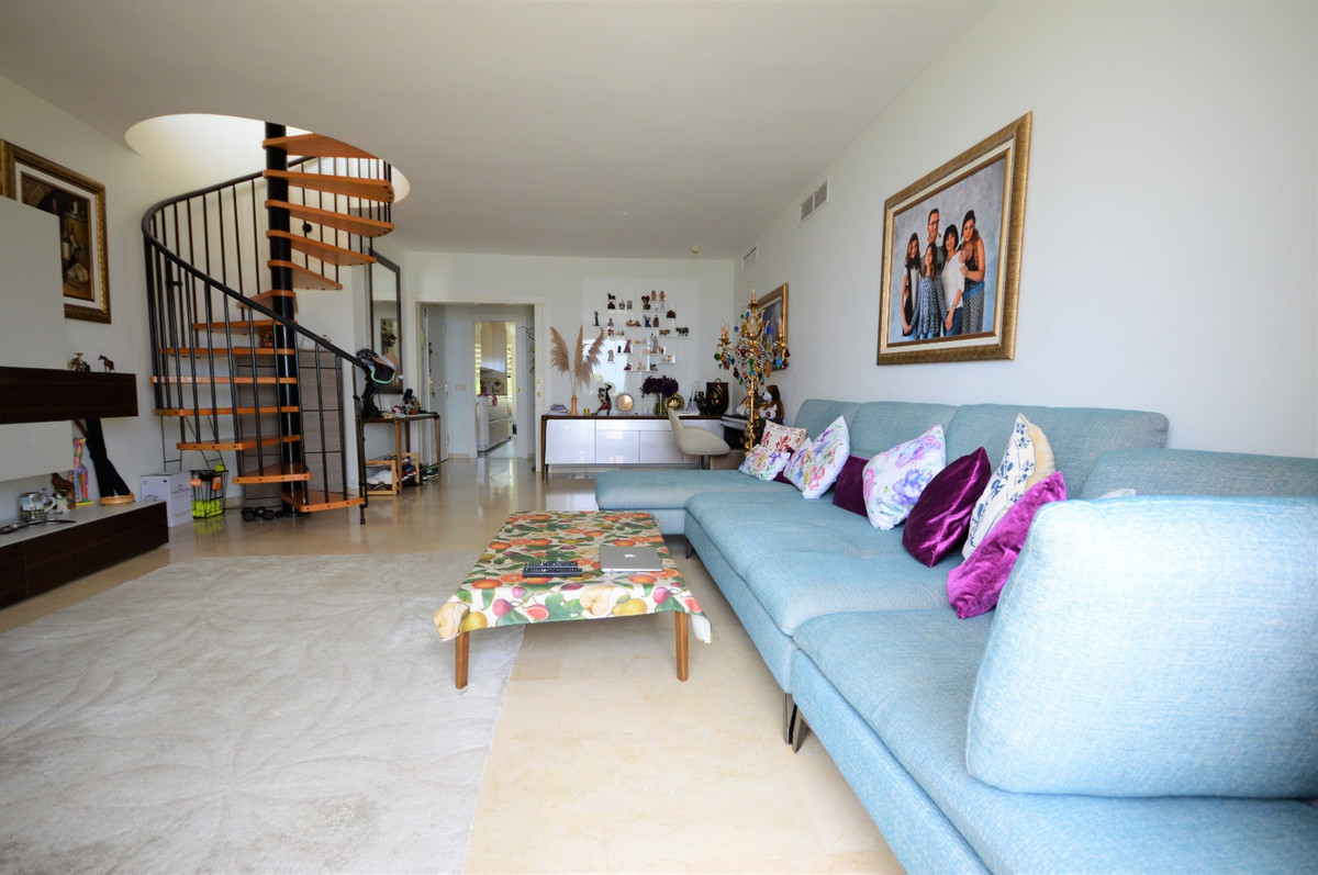 Apartment Penthouse for sale in New Golden Mile, Costa del Sol