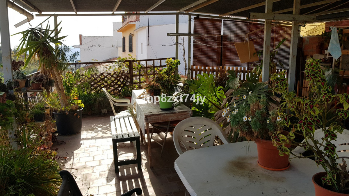 Four bedrooms plenty of space and a magnificent terrace in the centre of Old town Velez-Malaga for j,Spain