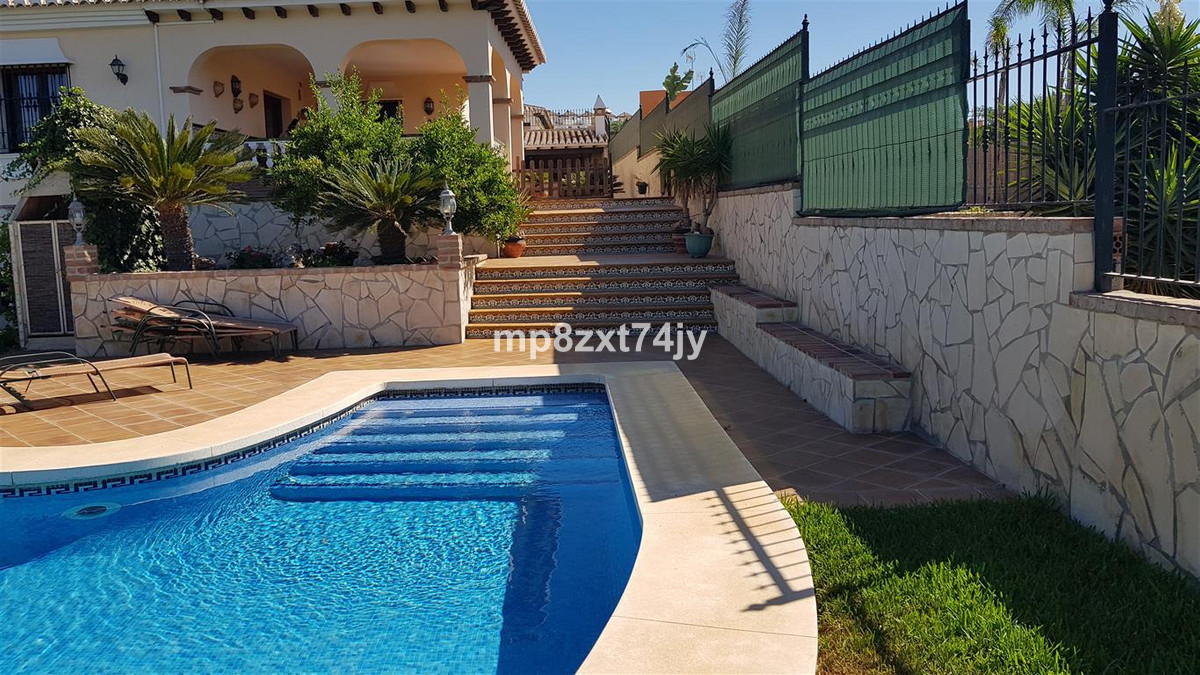 A truly fantastic opportunity to purchase a unique expertly built luxury Villa in the much sought af, Spain
