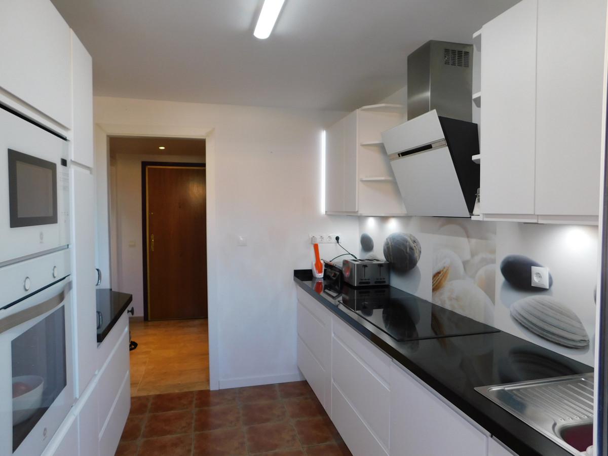 Apartamento Planta Media en Venta en El Rosario – R3671786