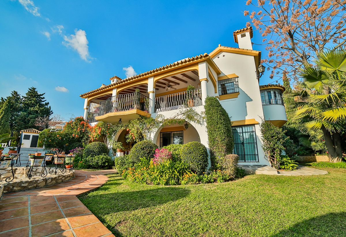 Detached Villa for sale in El Rosario R3750967