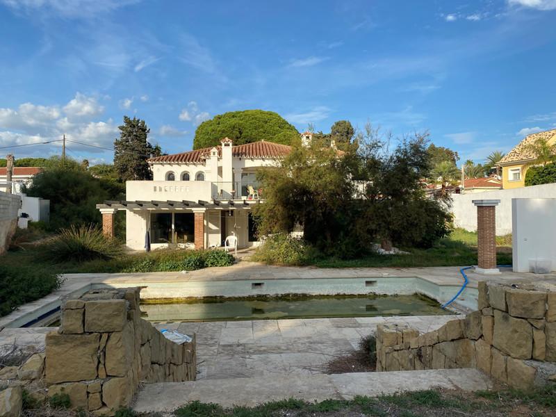 Detached Villa Costabella