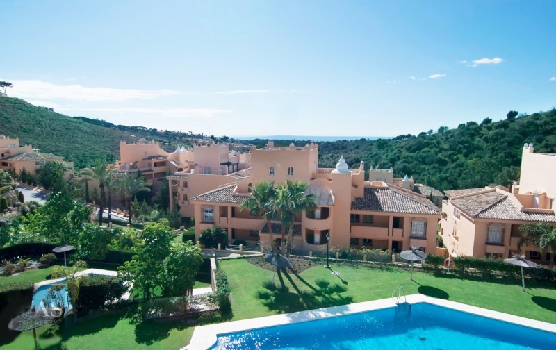 Modern apartment with 3 bedrooms and 2 bathrooms and a spacious covered terrace. Beautiful new open , Spain