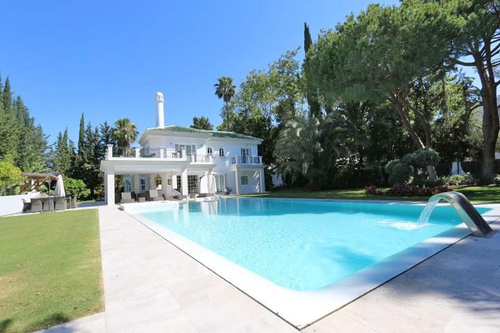 Marbella Banus Villa – Chalet en Venta en Nueva Andalucía – R3345124
