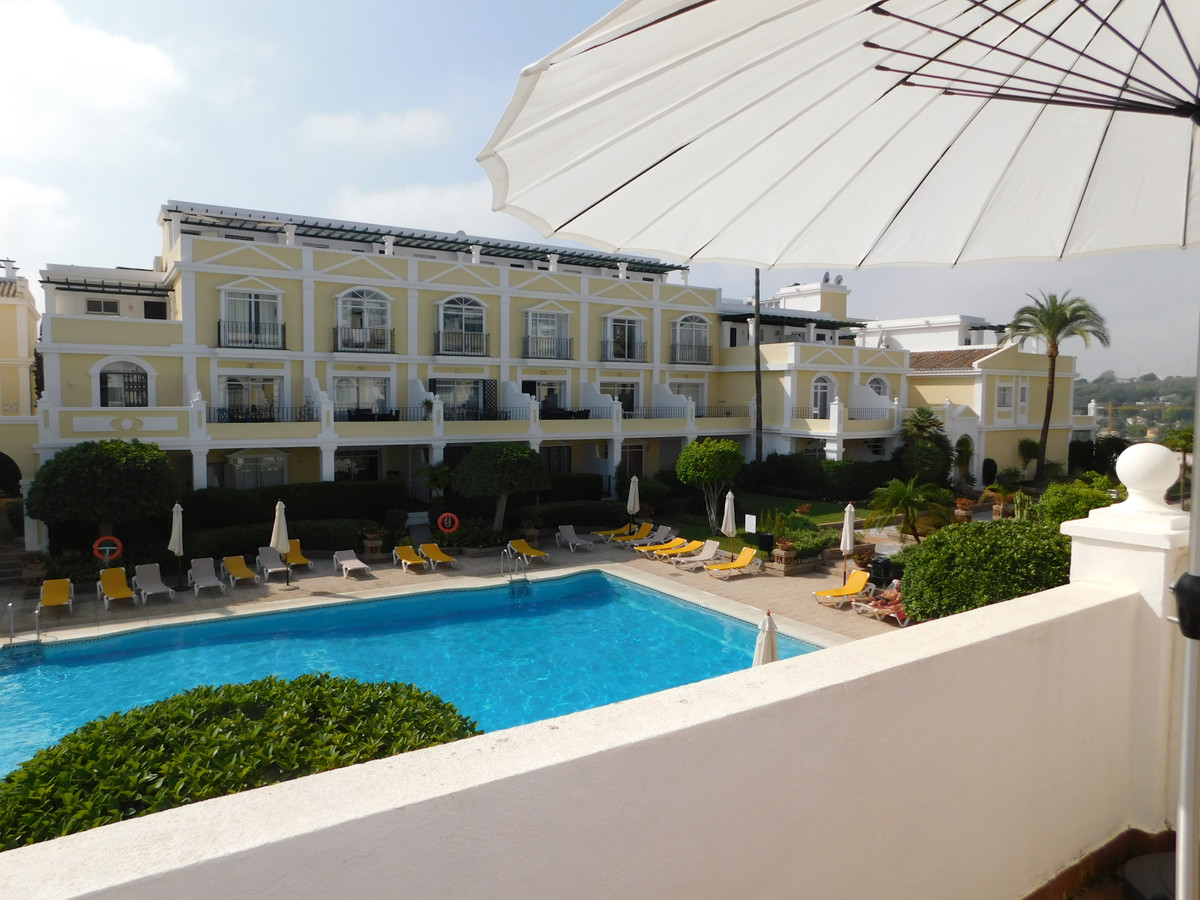 BEST LOCATION IN ALOHA GARDENS : Corner South facing Townhouse with Roof Terrace  overlooking the ma,Spain